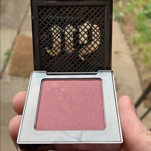 Urban decay blush -rapture